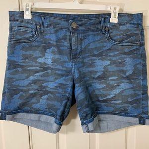 BLUE CAMO KUT FROM THE CLOTH SHORTS SZ 14